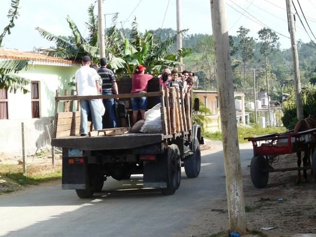 4cpersonenauflastwagen