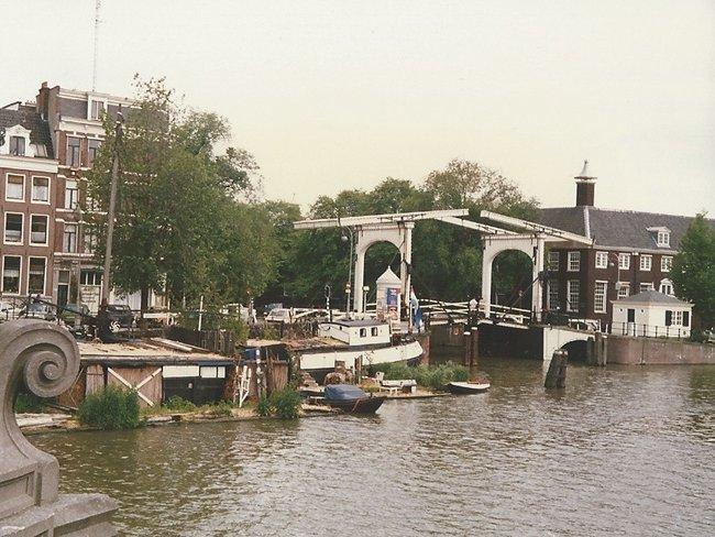2bniederlandeamsterdam